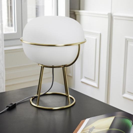suspension l88 une suspension inspir e des caf s parisiens qui diffuse une lumiere douce et. Black Bedroom Furniture Sets. Home Design Ideas