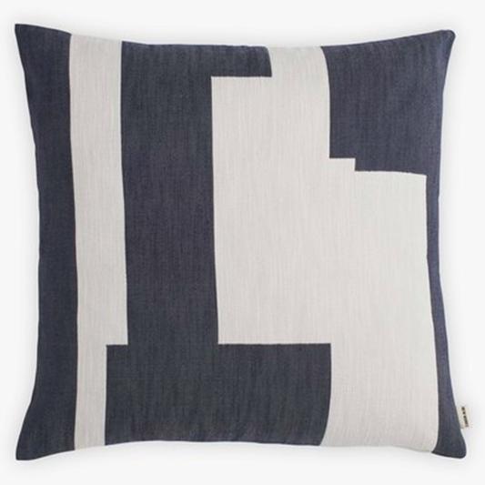 coussin graphique des coussins moelleux. Black Bedroom Furniture Sets. Home Design Ideas